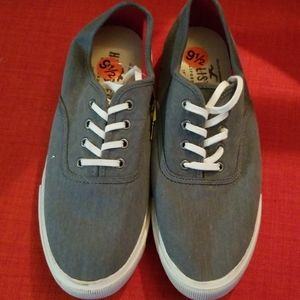 Hollister Guys Lo Sneaker in gray sz 9 1/2